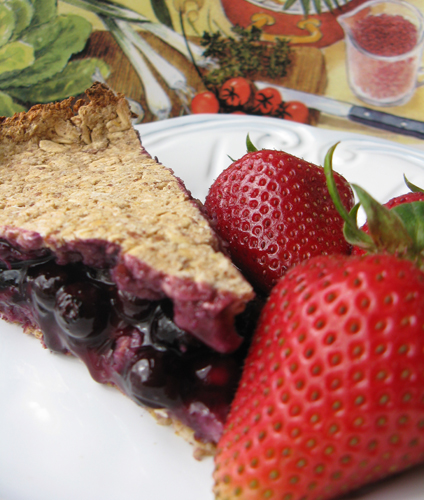 Strawberry and Blueberry Oat Pie